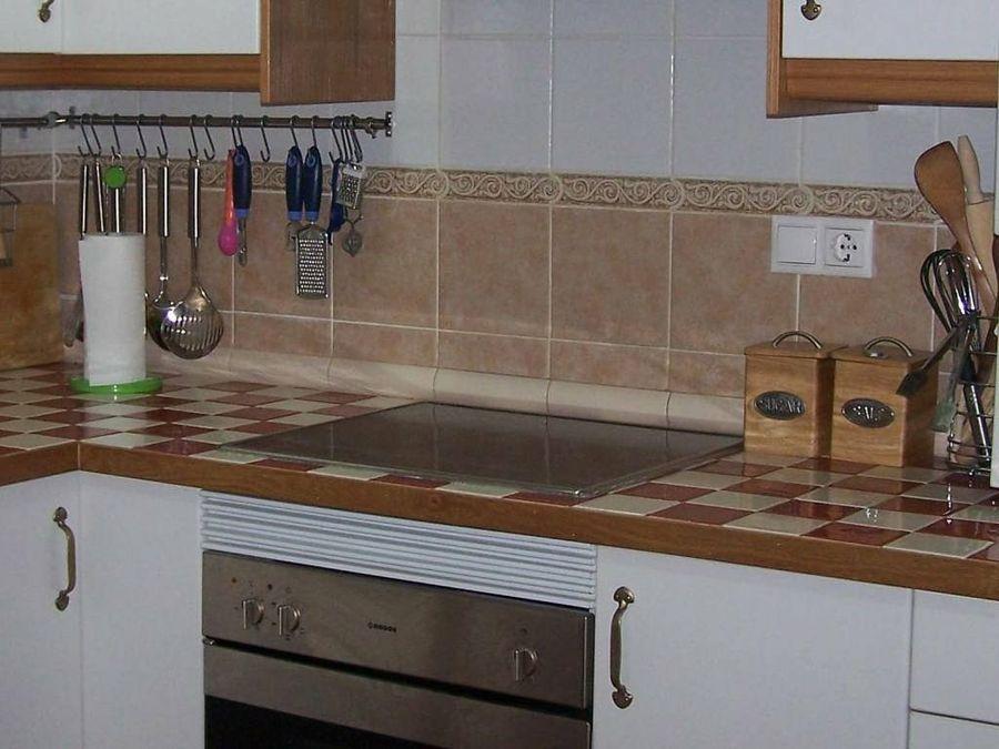 Encimeras tipos grupo castrillo for Encimeras de azulejos
